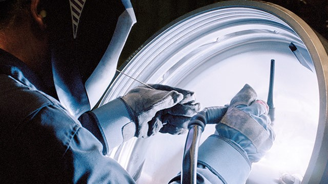 lube-oil-cleaning-service-640x360 (1).jpg