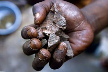 conflict minerals hand 380x252