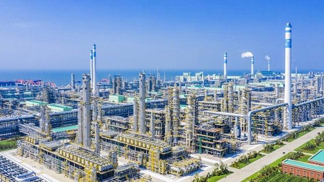 cleantech_refinery_case01.jpg