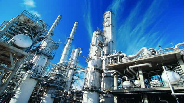 refinery 640 x 360