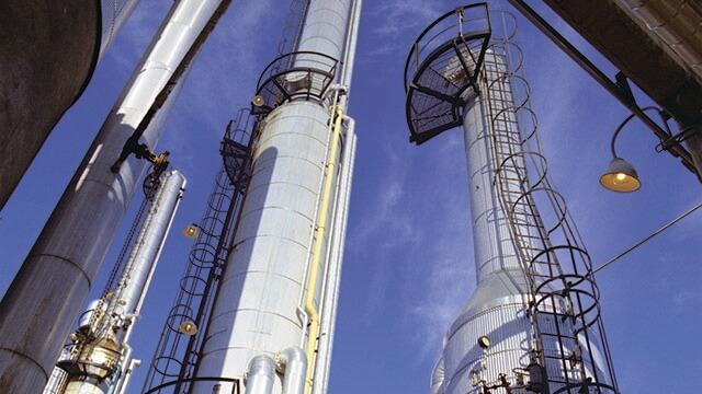oil-gas-refinery