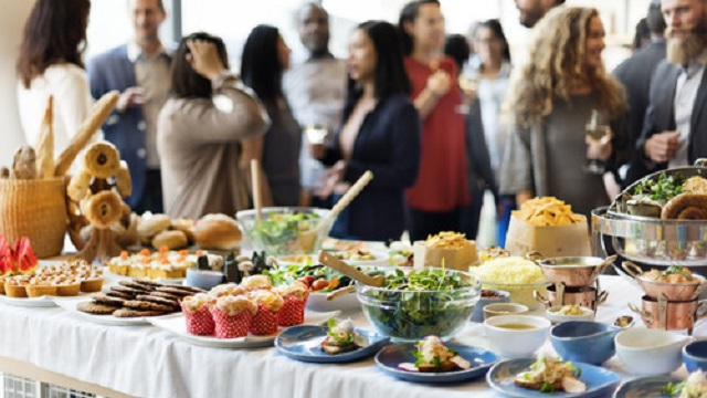 A_lot_of_food_at_the_party.jpg