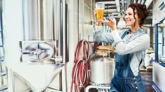 Female craft brewer 640x360