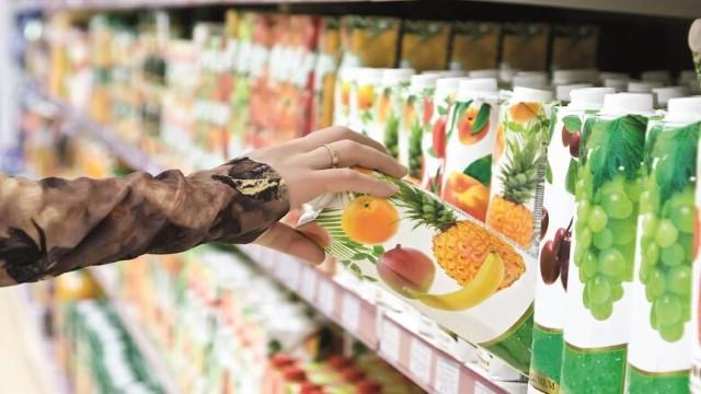 Fruit juice package shopping