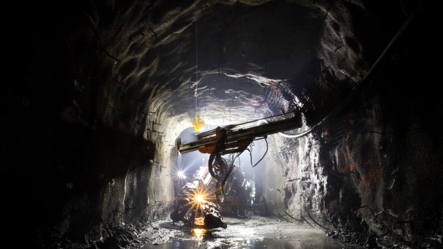 Tunnel drill 640x360