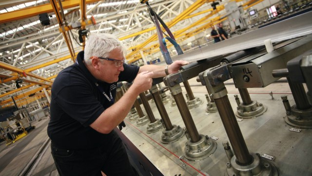 Airbus a stringer is inspected 640x360.jpg