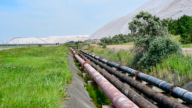 Pipes and tailing dams