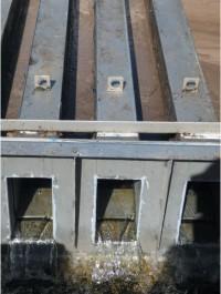 Излив чистой воды из внутреннего пространства секций Изо-Диска