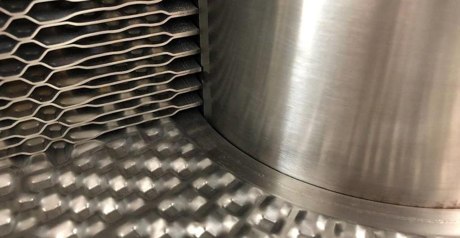 DuroShell_laser_welding_3_cropped.jpg