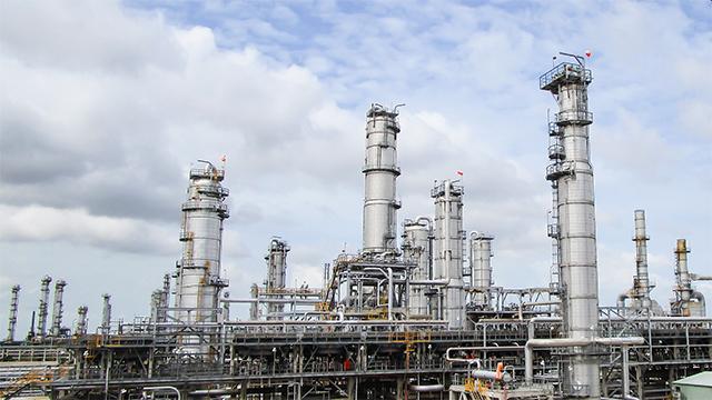 Petrochemical plant 640x360