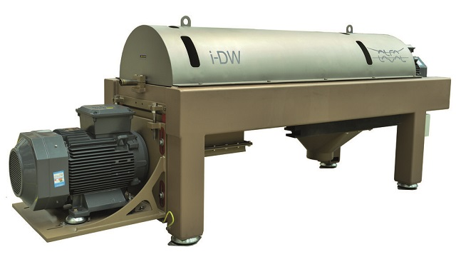 iDW decanter centrifuge for wastewater treatment 640x360